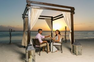 Things To Do Aruba - Beachfront Dining Atardi