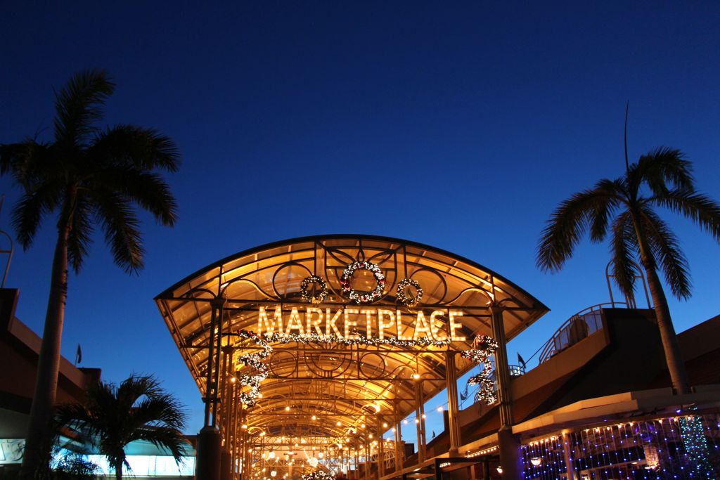 Step into a Winter Wonderland with Renaissance Marketplace Aruba!