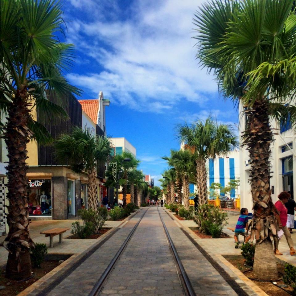 Renaissance aruba resort package