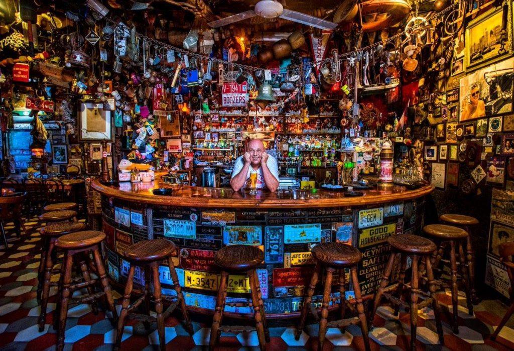 charlie-s-bar-restaurant-aruba-san-nicolas-visitaruba
