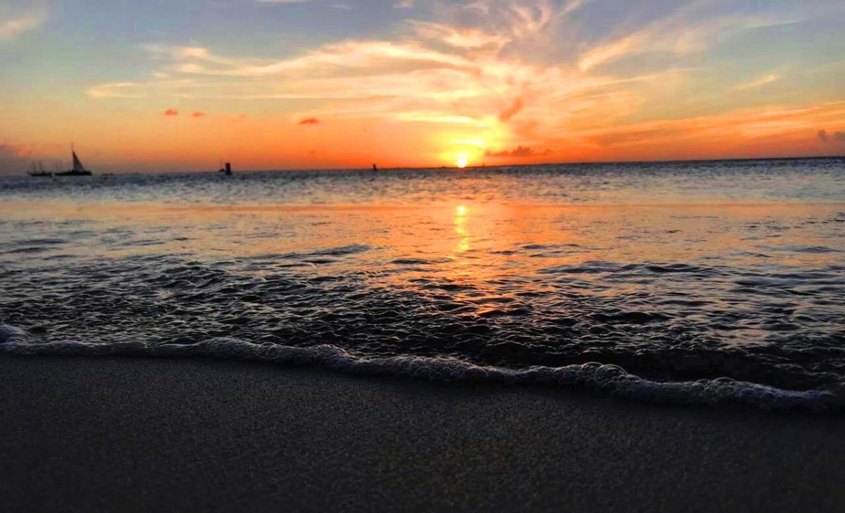 11 Sunsets to Make You Fall in Love with Aruba All Over Again