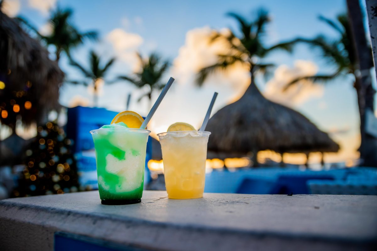 14 Happy Hour Hot Spots in Aruba
