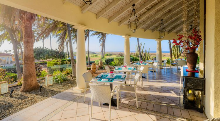 The-restaurant-at-tierra-del-sol-tds-happy-hour-in-aruba-blog-visitaruba