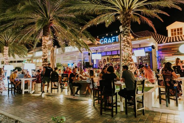 craft-aruba-bar-and-lounge-happy-hour-blog-by-visitaruba