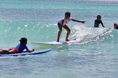 Arashi-beach-surfing-kids-things-to-do-visitaruba-blog