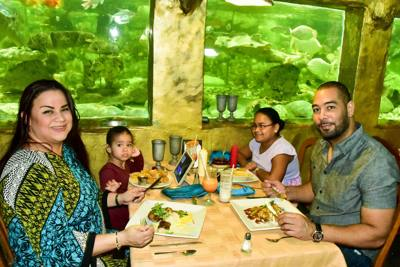 buccaneer-restaurant-aruba-things-to-do-kids-life-dinner-family-visitaruba-blog