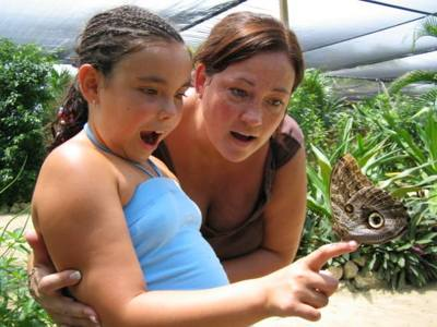 the-butterfly-farm-aruba-butterflies-kids-visitaruba