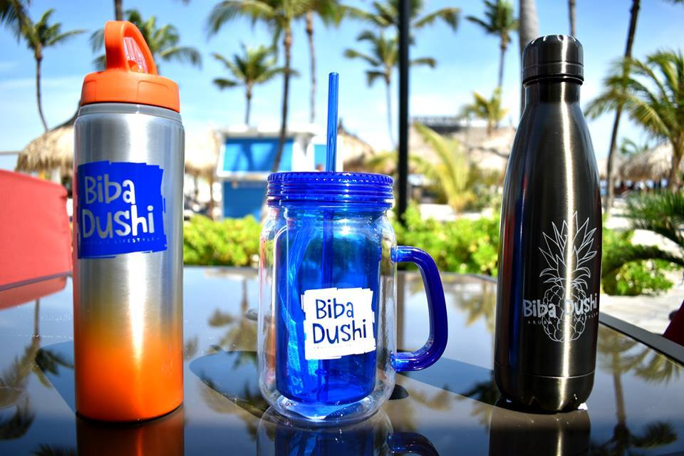 reusable-bottles-drink-ware-photo-by-coconuts-aruba-de-palm-visitaruba