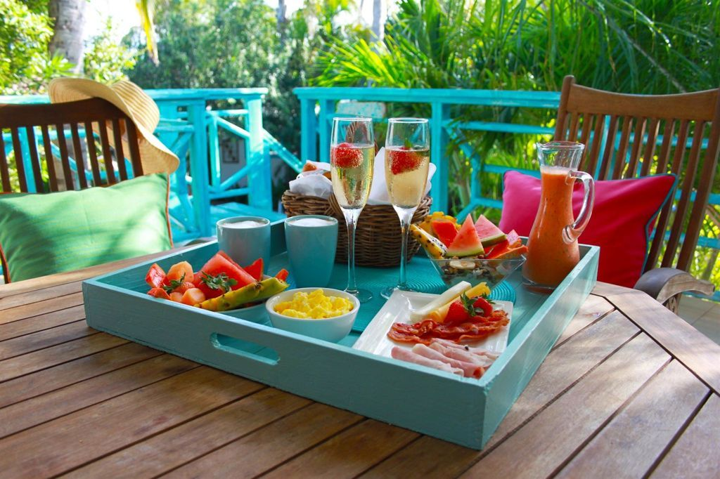 breakfast-by-boardwalk-small-hotel-aruba-visitaruba-blog