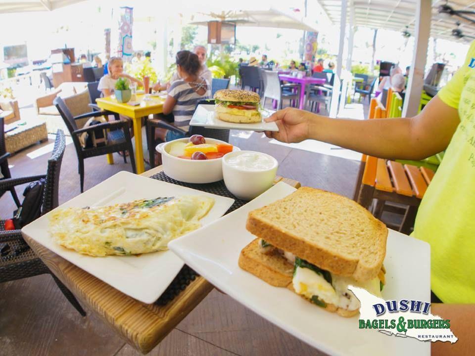 dushi-bagels-and-burgers-aruba-visitaruba
