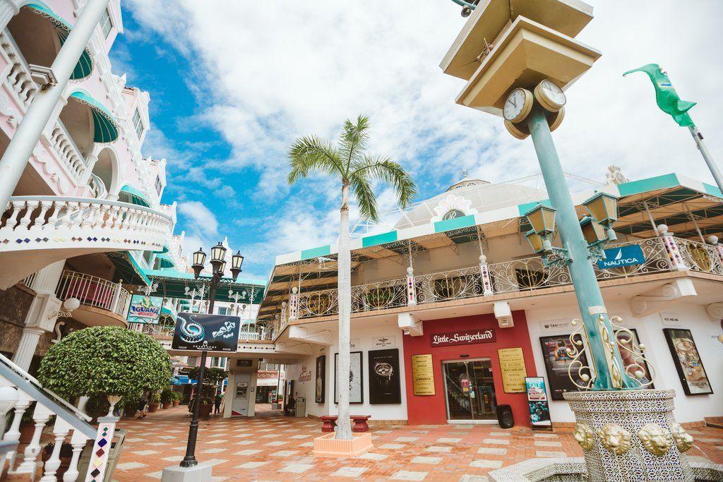 photo-by-aruba-tourism-authority-ata-royal-plaza-mall-shopping-blog-visitaruba