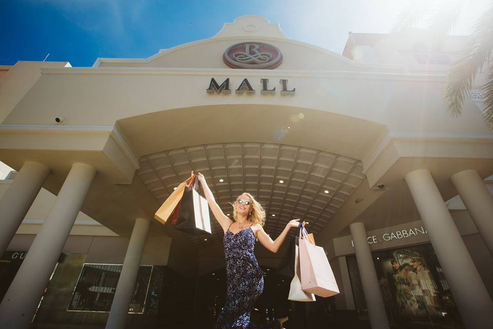 photo-by-renaissance-mall-aruba-resort-and-casino-visitaruba-shopping-blog
