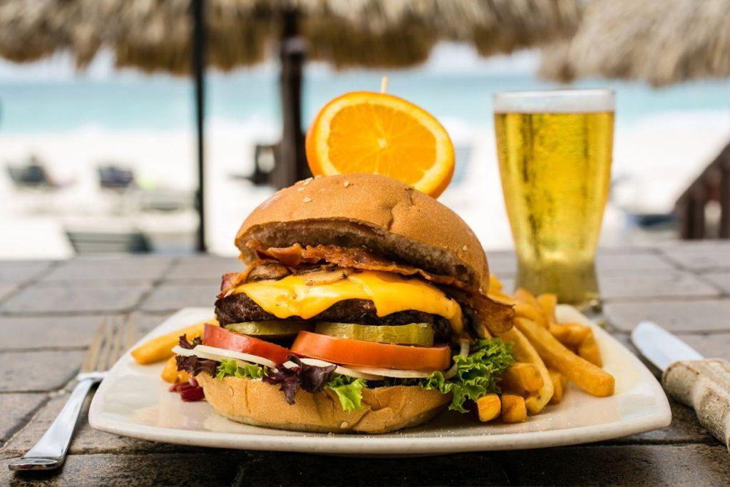 8 Food Spots for Beachfront Bites in Aruba