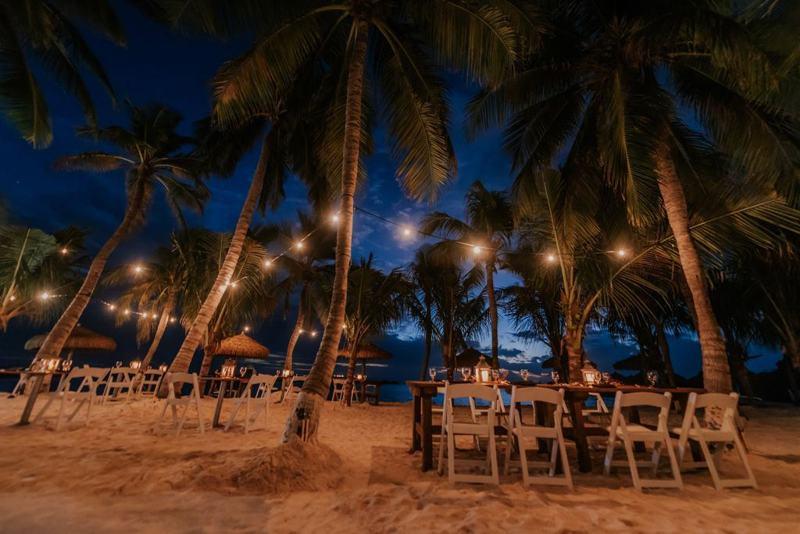 photo-by-renaissance-aruba-resort-and-casino-island-dinner-under-the-stars