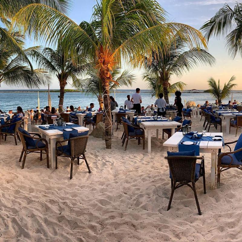 photo-of-flying-fishbone-restaurant-aruba-by-franknyarg