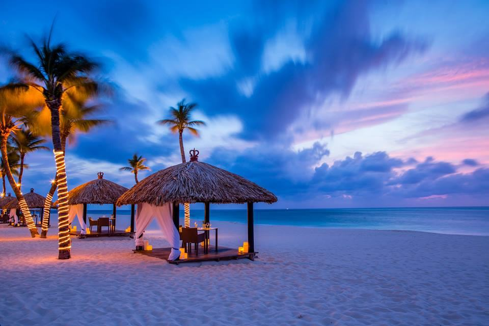 Sunsets & Sandy Toes: 9 On the Beach Dining Options in Aruba