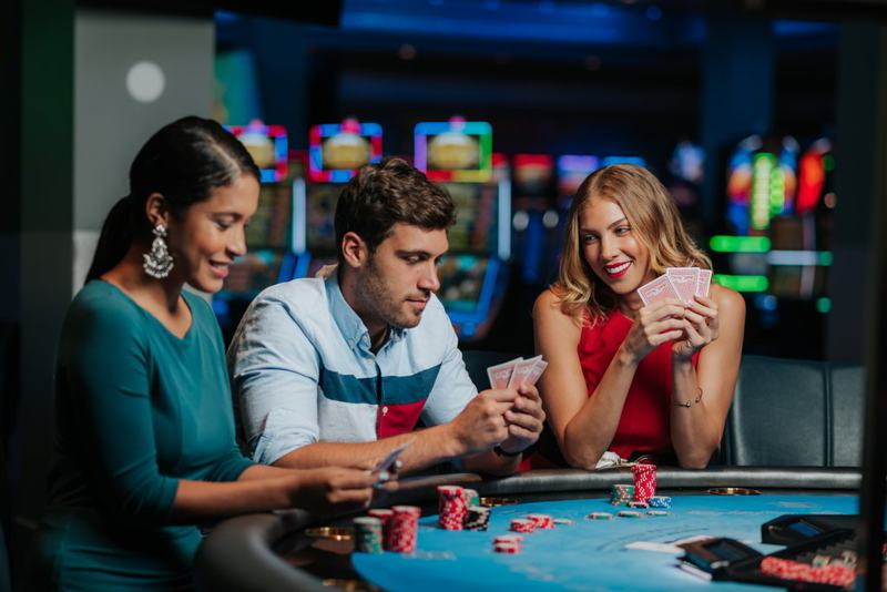 photo-by-Wind-Creek-Aruba-seaport-Casino-playing-cards-blackjack-table