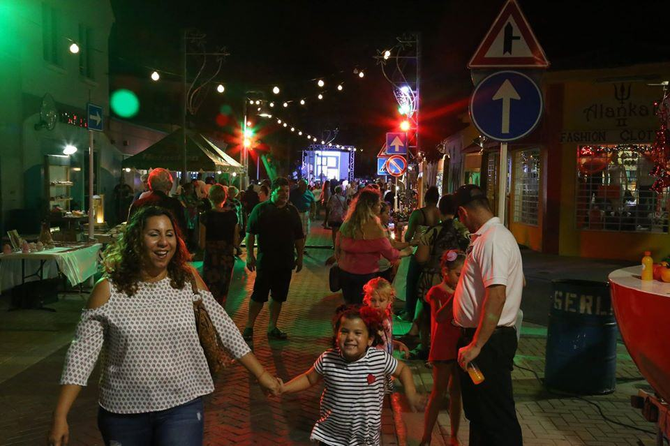 photo-by-Experience-San-Nicolas-of-sint-nicolaas-aruba-at-night-art-festival