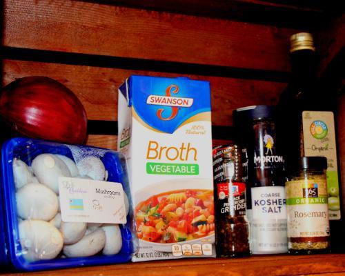 vegan-vegetarian-mushroom-gravy-sauce-thanksgiving-recipe-aruba