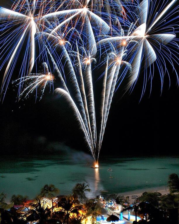 photo by Hilton Aruba Caribbean Resort and Casino-Fireworks-Tiro-Batata