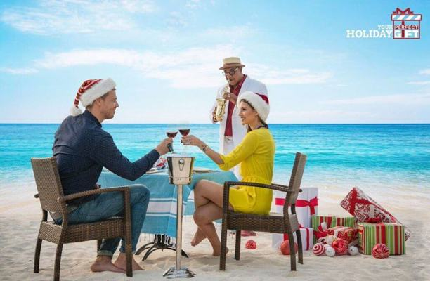 photo by Holiday Inn Aruba Beach Resort and Casino-salud-bina-wine-cheers-holidays
