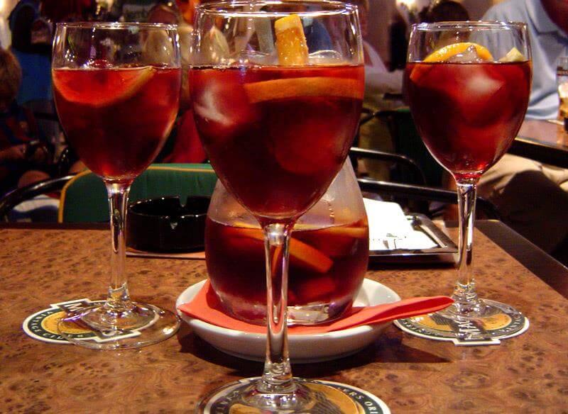 sangria-glasses-and-pitcher-at-el-gaucho-restaurant-aruba