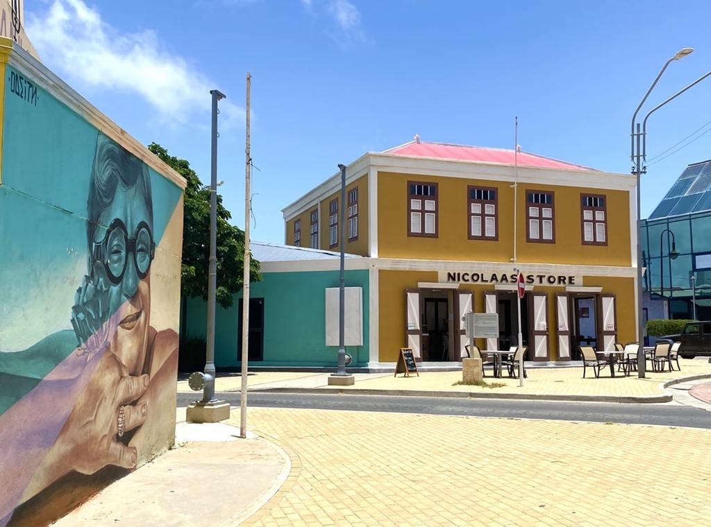 Downtown Aruba Vibes: San Nicolas