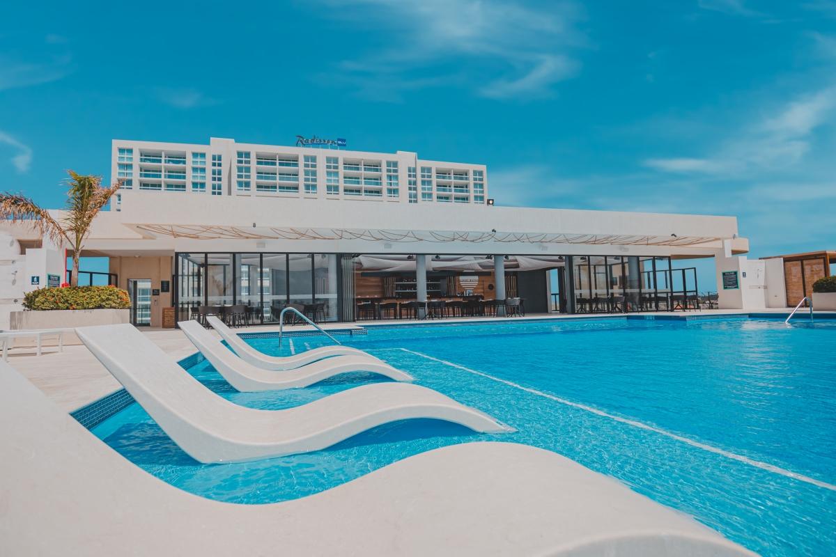 Feel the New Radisson Blu Aruba Experience