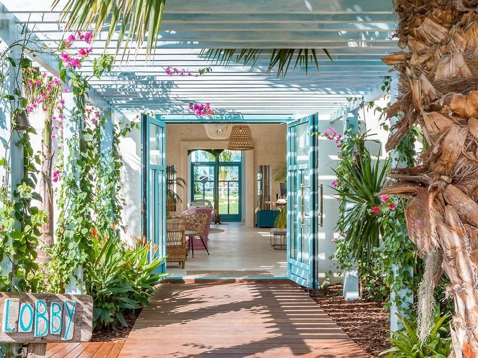 Why A Boutique Hotel Stay Makes for the Perfect Aruba Vacation Experience