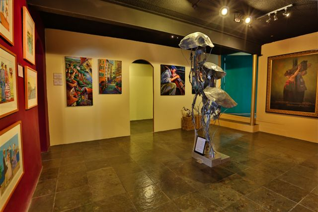 Contemporary art and sculpures at LAmerica Gallery