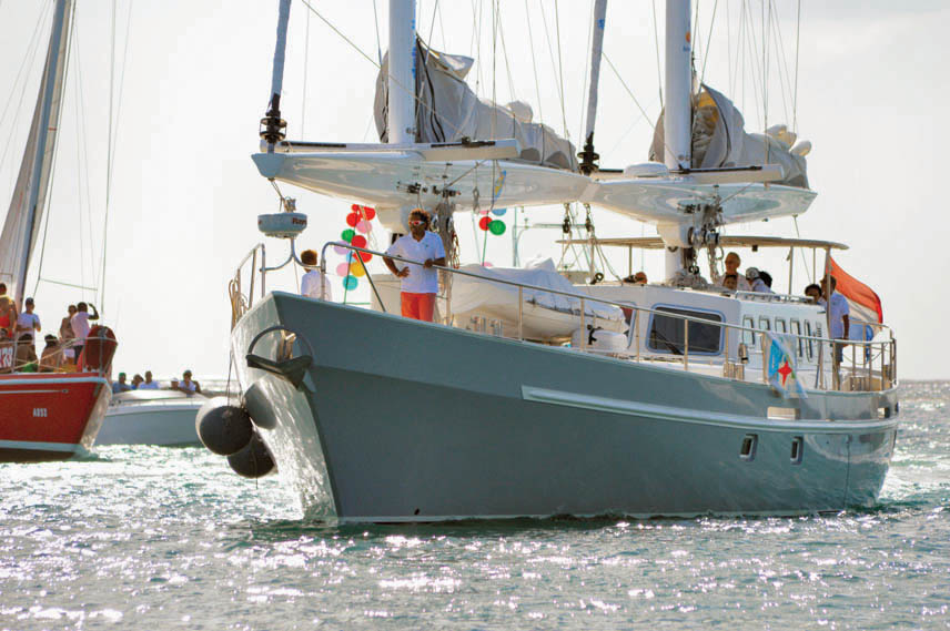 Ecolution, an energy-efficient sailboat, and his crew arrived on Aruba