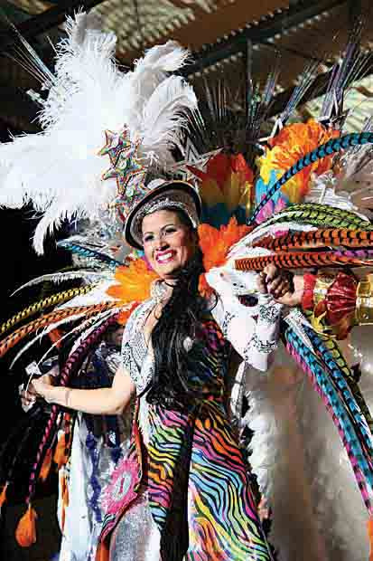 Aruba Crowns Two Carnival Queens!