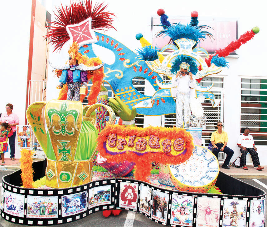 Colorful and delightfully cute Children's Parade in Oranjestad