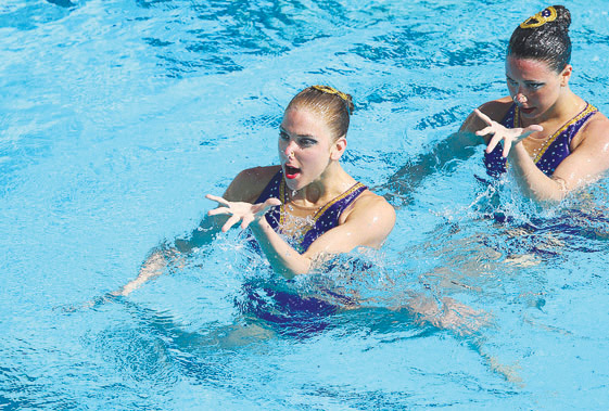 Aruba's top athlete in synchronized swimming wins 2 bronze medals