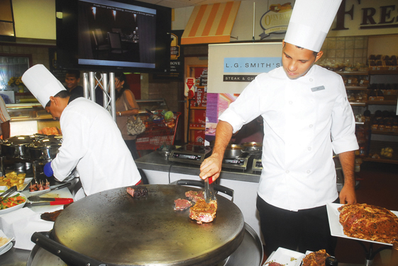 """Aruba's #1 supermarket, Ling & Sons launches """"Nice to Meat U"""" festival!"""