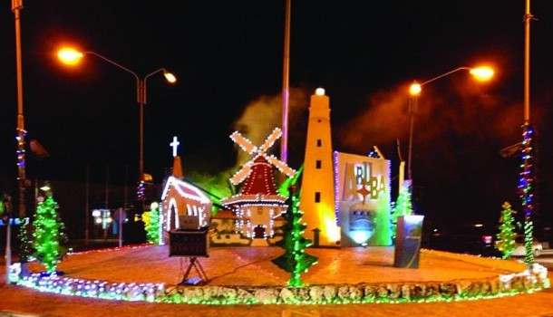 Bucuti & Tara Resorts and Aruba Tourism Authority turn the Paradera Rotunda into a magnificent, merry sight