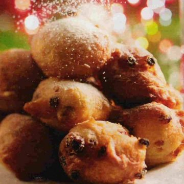 "Ling & Sons ""oliebollen"" a must try this holiday season in Aruba"