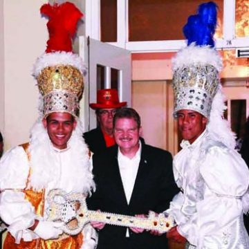 Aruba Carnival: Prime Minister with Prins & Panchos
