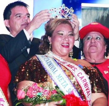 Aruba Mrs. Carnival Pageant 2014 crowns Lynette Bernadina