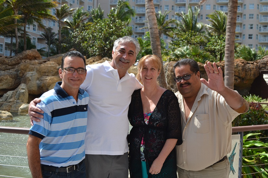 Aruban taxi drivers went all the way to return the missing valuables of two long time island visitors