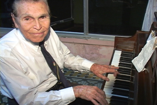 Aruban musicians play most popular compositions of Padu Lampe as a tribute to his 94th birthday