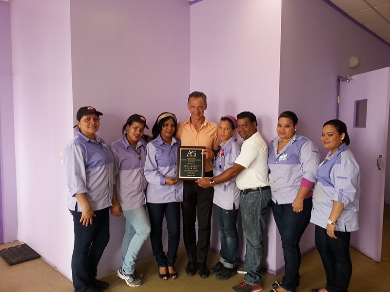Ling & Sons Aruba awarded title of Retailer of the Year