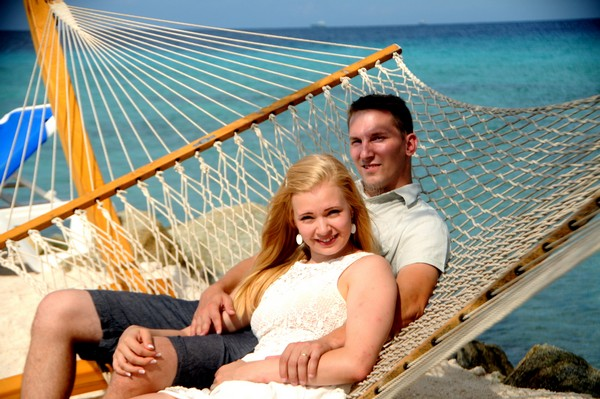 Finland newlyweds celebrate their love in Aruba