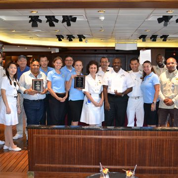 De Palm Tours award ceremony - Princess Cruises.JPG