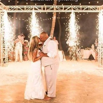 Entertainment Company From New Jersey Lands in Aruba for a Destination Beach Wedding