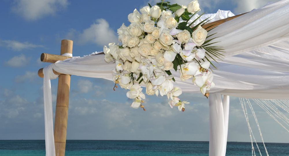 Aruba Set to Hold Caribbean's Largest Vow Renewal Ceremony