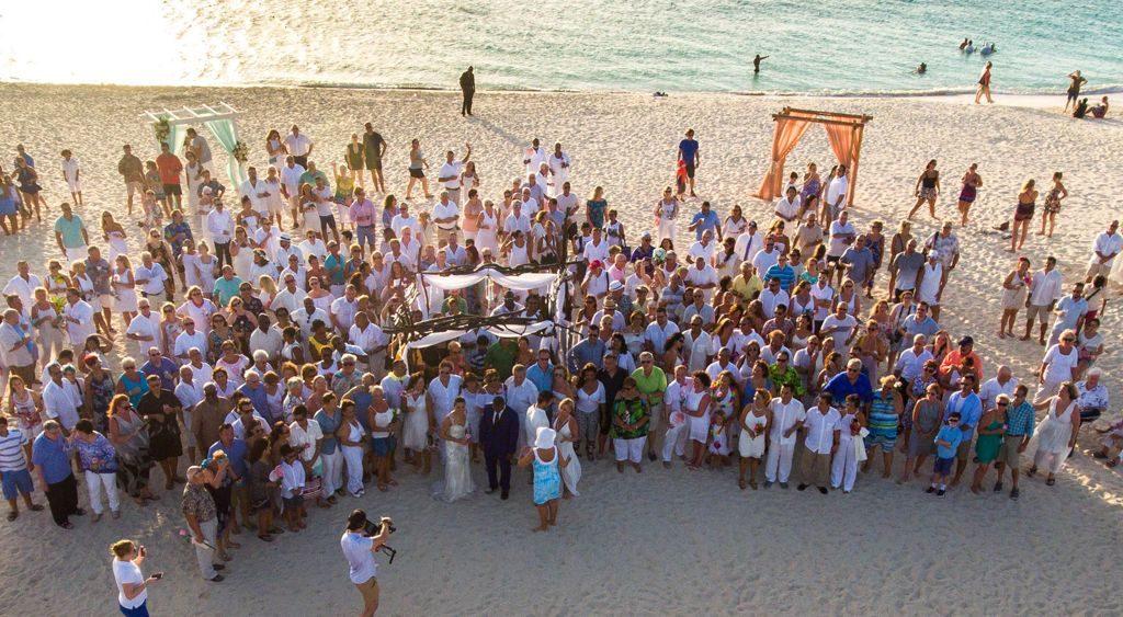 Aruba Hosts Caribbean's Largest Vow Renewal