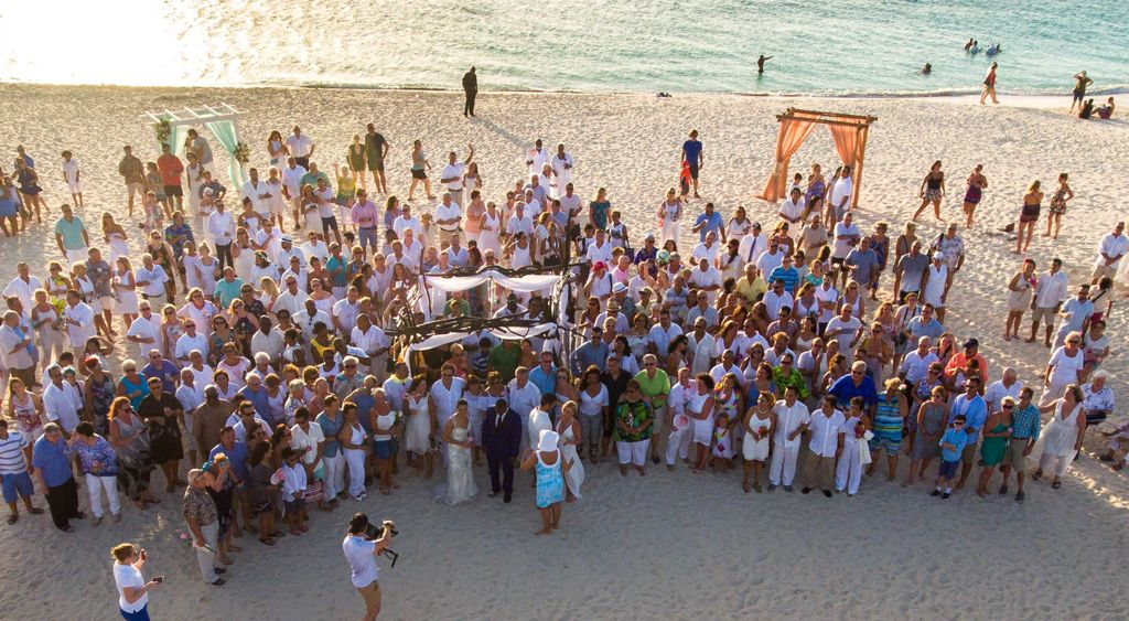 Aruba Hosts Caribbean's Largest Vow Renewal