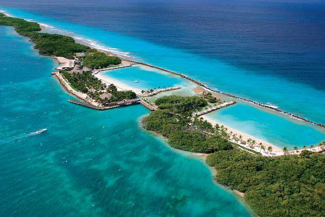 dinner-under-the-stars-exclusive-event-Renaissance-island-aruba-resort-marina-ocean-suites-private island-private-flamingo beach-beaches-beach tennis-visitaruba-visit-aruba-caribmedia-vacation-caribbe