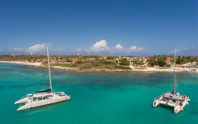 Pelican Adventures Treats United Dogs Aruba Foundation to Sailing Cruise
